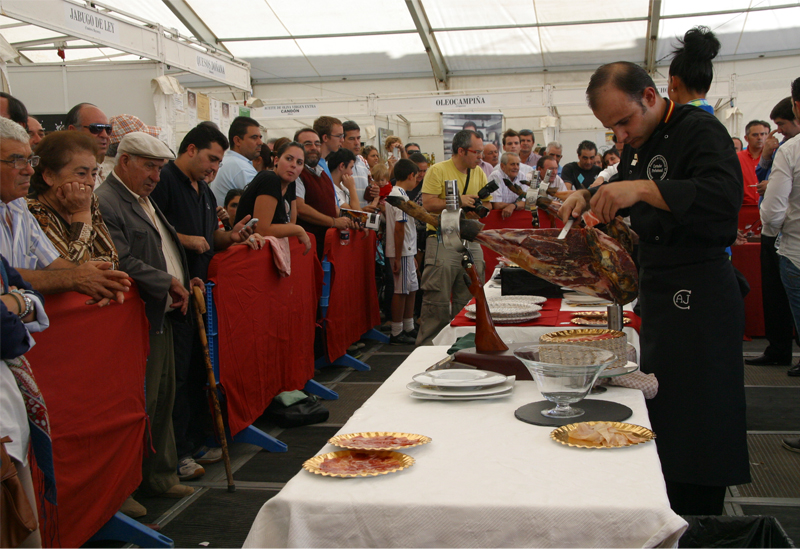 El Concurso de Cortadores de Jamón puntuará en esta edición para el campeonato nacional.