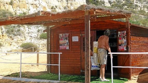 La biblioteca de playa del Parador de Mazagón realizó 600 préstamos este verano