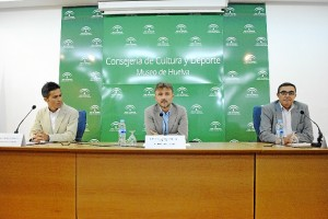 Pablo Guisande, José Fiscal y Zarza en la presentación del primero como nuevo director del Museo de Huelva.