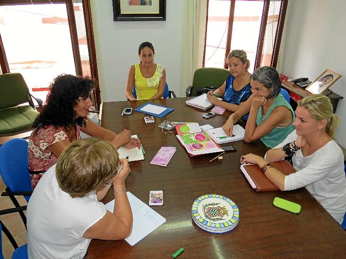 Reunión educativa en Moguer.