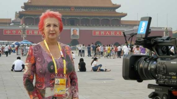 Rosa Mª Calaf, ex corresponsal de RTVE, visita Madre Coraje Huelva