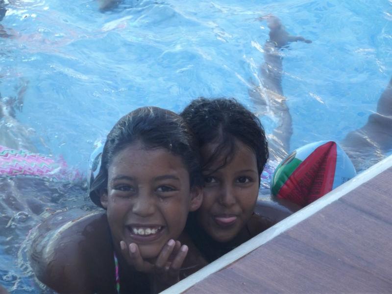 La playa y la piscina son las actividades preferidas de los niños.
