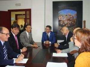 Encuentro entre el equipo de Gobierno de la UHU y la ejecutiva socialista.