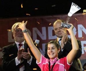 Carolina Marín, feliz tras ganar en Londres. / Foto: Badminton Europe.