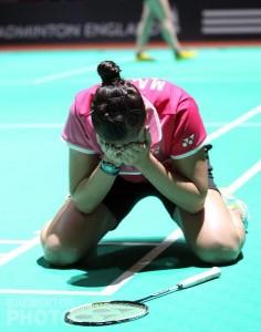La onubense se echa a llorar nada más acabar su partido ante la escocesa. / Foto: Badminton Europe.