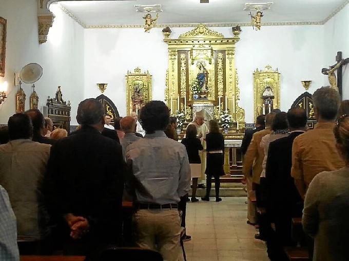 Vilaplana entregó la Cruz a los familiares de Gil.