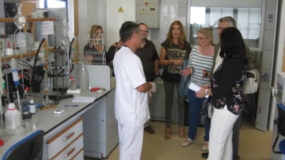 """El Laboratorio Agroalimentario de Bonares, la """"mejor garantía"""" de calidad de los vinos e ibéricos"""