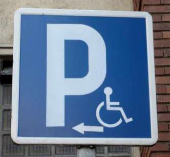 Cerca de 4.000 personas con discapacidad y movilidad reducida disponen de tarjeta de aparcamiento en Huelva