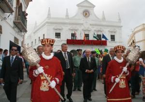 El pueblo también celebra por estas fechas las fiestas de su patrona, la Virgen del Rosario.