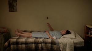 Fotograma de la cinta 'Cazando luciérganas'.