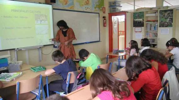 Doñana 21 enseña a los escolares la actividad agrícola y  los cultivos de la comarca