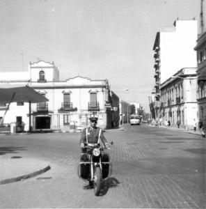 Imagen tomada desde la estación Huelva-Sevilla mirando hacía la antigua estación de servicio Gong.