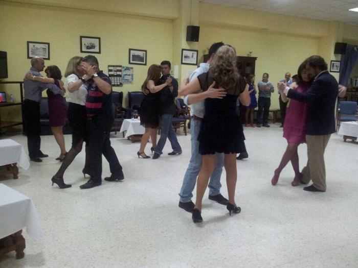 El tango, un sentimiento que se baila. / Foto: www.facebook.com/lamilonguitadehuelva.tango