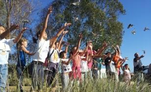 Los pequeños durante la actividad en Marismas del Odiel