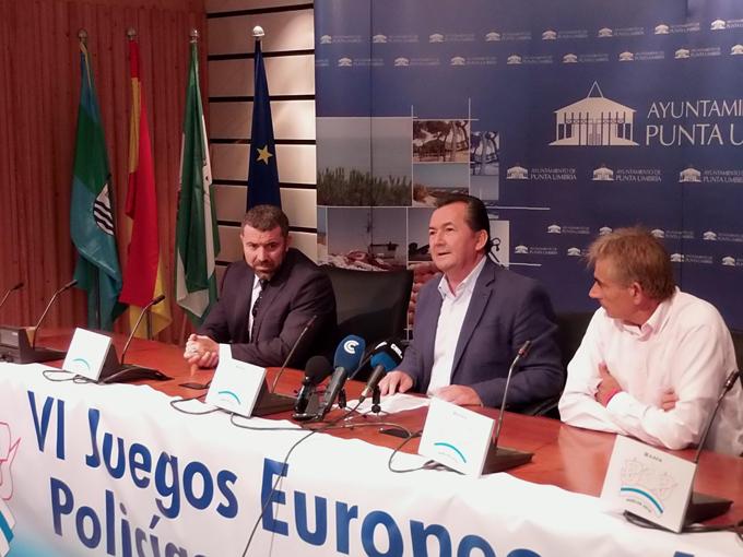 El alcalde de Punta Umbría junto a José María Bonilla.