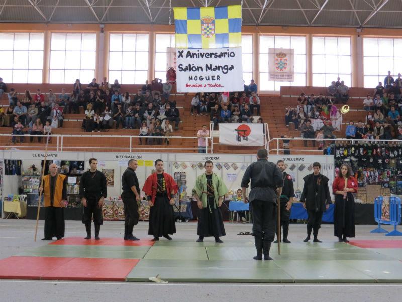 Torneo de espadas en el Salón.