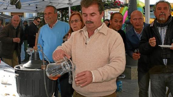 Una treintena de bodegueros participa en la  II Degustación de Mosto 'Ciudad de Cartaya'
