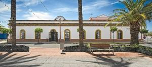 Fachada del Casino de Corrales.