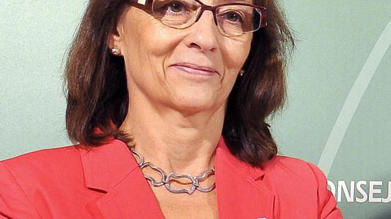 La jefa del Servicio de Oncología Radioterápica del Hospital Juan Ramón Jiménez, Eloísa Bayo, Medalla de Andalucía