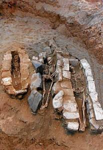 Hasta ahora, los estudios sobre las necrópolis no estaban muy valorados. / Foto: Inhumaciones de la cetaria de El Eucaliptal.