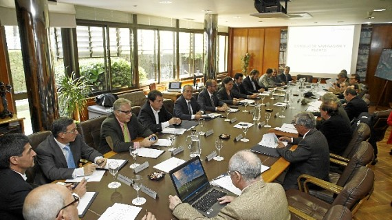 El Consejo de Navegación y Puerto de Huelva conoce los retos del Plan Estratégico del Puerto 2012-2017