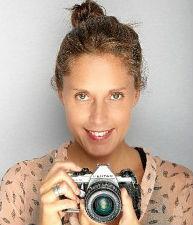 La fotógrafa María Lara desvela los rostros de los 'Invisibles' en una exposición en la Casa Grande de Ayamonte