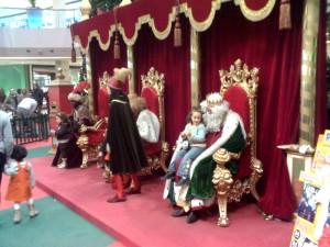 Antes de la Gala, los Reyes Magos estarán atendiendo a los más pequeños.