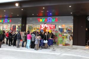 La apertura de la tienda ha causado mucha expectación.