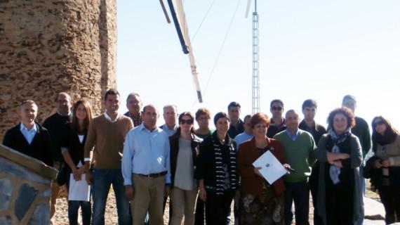 Instalan energía mini eólica en las inmediaciones del antiguo molino de Santa Bárbara