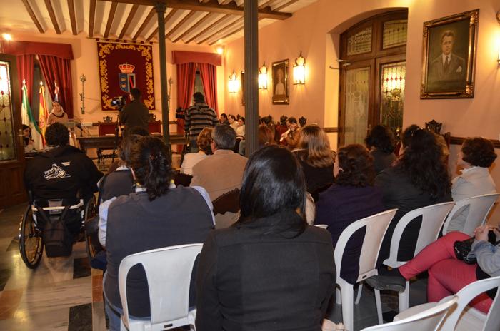 Reunión de los representantes de asociaciones con miembros del Ayunyamiento.