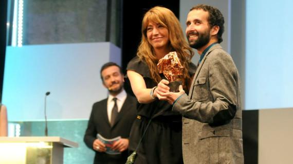 El cineasta Pablo Remón recoge el Premio SGAE de Guión Julio Alejandro en el cierre del Festival de Cine