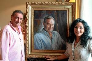 Isabel ha pintado a gente como Carlos Herrera.