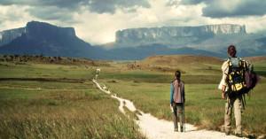 Fotograma de 'El camino más largo'.