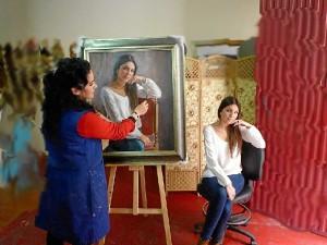 La pintora sabe sacar el alma en cada retrato.