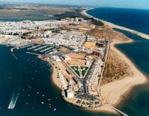Huelva sigue la línea del resto del país en la adscripción de los apellidos.