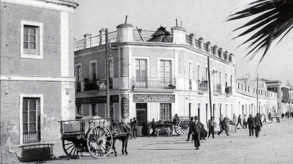Plaza 12 de Octubre de Huelva capital en la segunda década del siglo XX