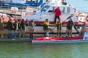 Los jóvenes, a su salida en noviembre desde el Puerto de Mazagón.