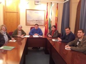 Reunión sobre consumo en Zalamea.