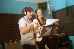 César y Rocío durante la grabación del tema.