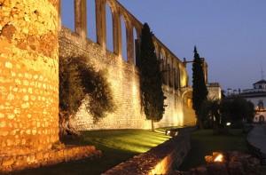 Vista del acueducto de la ciudad portuguesa de Serpa.