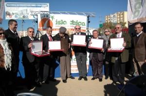 Todos los homenajeados por la Asociación de Comerciantes de Isla Chica.