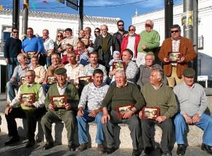 Foto de familia del homenaje.