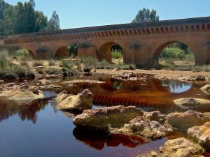Puente Romano sobre el río Tinto en Niebla.