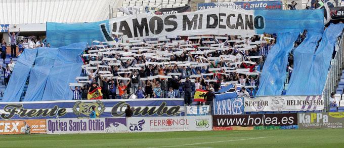 Los abonados del Recre podrán retirar las localidades que desee para el partido ante el Córdoba B aportando por cada una de ellas un kilo de alimento no perecedero.