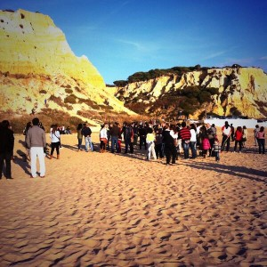 Una imagen de la playa del Parador durante la grabación del video.