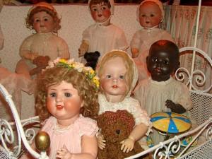 La colección de Teresa está conformada por 250 muñecas.