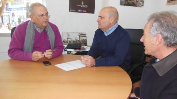 Huelva Buenas Noticias colabora con la asociación Resurgir alimentando a 10 de sus familias