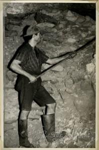 El objetivo de las empresas era difundir el consumo de cerveza entre los obreros de la minería en Huelva. / Foto: Archivo Provincial de Huelva.