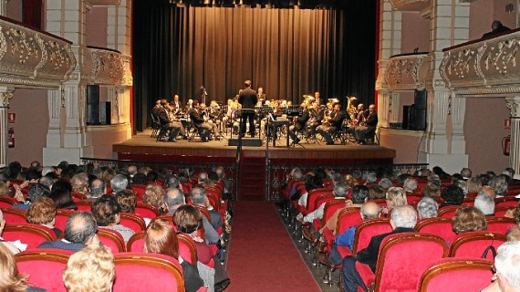 Lleno para escuchar el Concierto de Navidad en el Gran Teatro