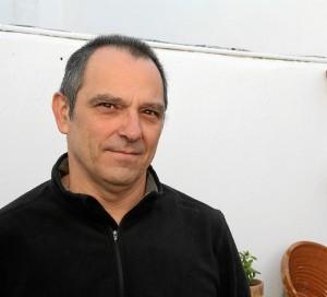 Castro Magaz se inició en este trabajo después de saber que Fabo había publicado en la revista onubense 'Saltamontes'.